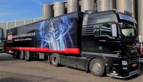 Belettering nieuwe vrachtwagen Kivo