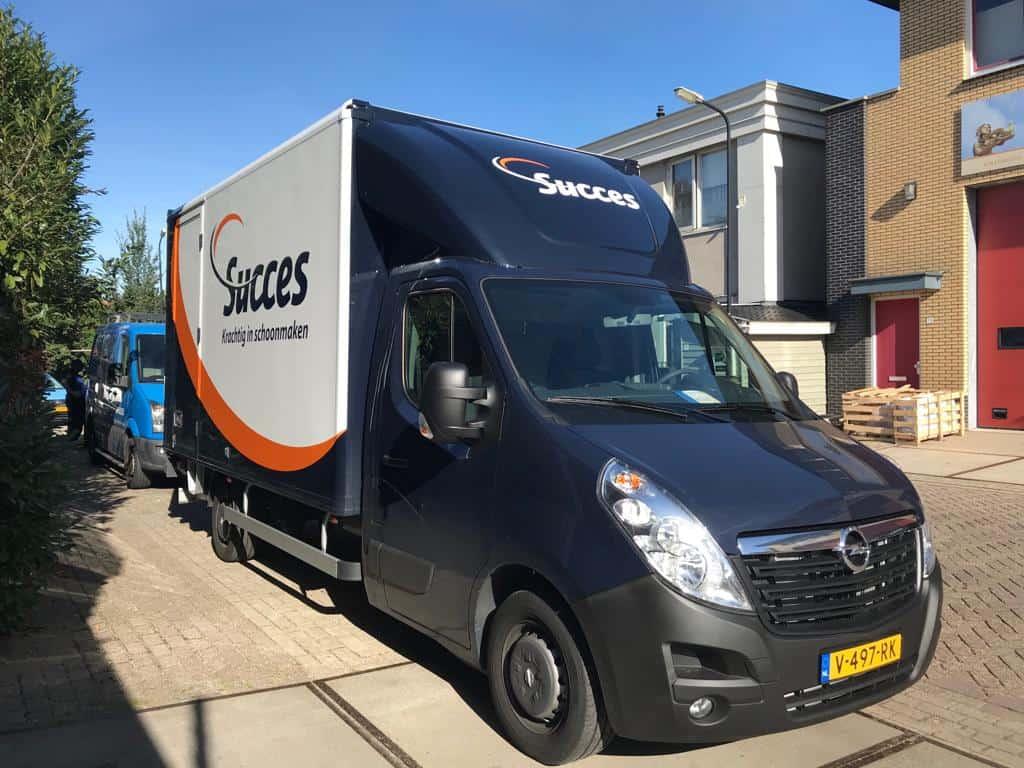 Succes Schoonmaak Vrachtwagen belettering